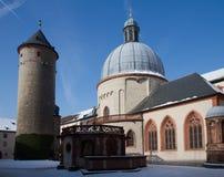 Fortaleza Marienberg con la capilla y la torre Imagen de archivo