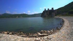 Fortaleza medieval vieja Golubac, Serbia almacen de metraje de vídeo