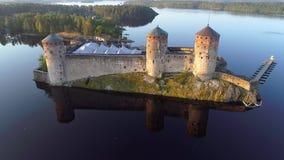 Fortaleza Olavinlinna, tiro da manhã de um quadrocopter Savonlinna, Finlandia filme