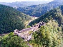 Fortaleza Poienari, Arefu, condado Romênia de Arges fotos de stock