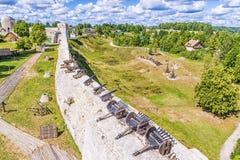 Fortaleza rusa vieja en Izborsk, Rusia Foto de archivo libre de regalías