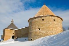 Fortaleza Staraya Ladoga, invierno foto de archivo