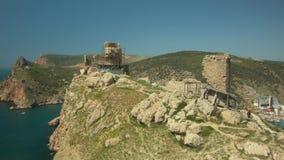 Fortaleza turca antigua del arpicordio en Balaklava almacen de metraje de vídeo