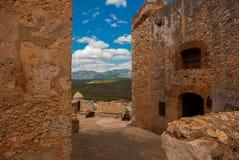Fortaleza vieja en Cuba Fort Castillo del Moro Castillo San Pedro de la Roca del Morro, Santiago de Cuba imagenes de archivo