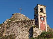 Fortaleza y campanario viejos en Corfú, Grecia Foto de archivo