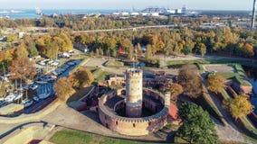 Fortaleza y puerto de Wisloujscie en Gdansk, Polonia almacen de metraje de vídeo
