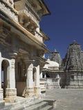 Fortaleza y templo - Rajasthán - la India de Kumbhalgarth Imágenes de archivo libres de regalías
