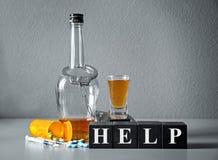 Forte bevanda, droghe, manette e cubi Immagine Stock Libera da Diritti