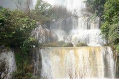 Forte fondo della cascata Fotografia Stock Libera da Diritti