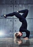 Forte ginnasta della donna Fotografia Stock