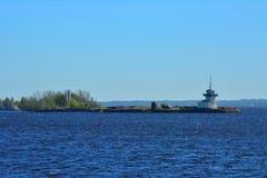 Forte Kronshlot no Golfo da Finlândia perto de Kronstadt, St Petersburg, Rússia Fotografia de Stock Royalty Free