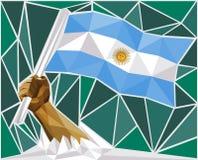 Forte mano che alza la bandiera dell'Argentina illustrazione vettoriale