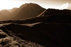 Forte paesaggio chiaro dell'alta montagna Immagini Stock