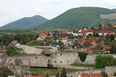 Forteców domy Eger i wzgórza Zdjęcie Royalty Free