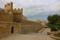 Forteca ściany w mieście Baku zdjęcie royalty free