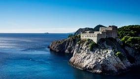 Forteczny Lovrijenac jest grze Ustawiającym w Dubrovnik trony Strzela fotografia royalty free