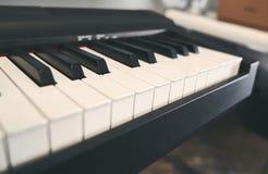Fortepianowa klawiatura zamknięta w górę fotografii obrazy royalty free
