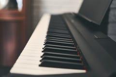 Fortepianowa klawiatura zamknięta w górę fotografii obraz royalty free