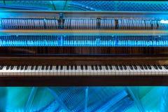 Fortepianowy mechanizm przez przejrzystej pokrywy Zdjęcia Royalty Free