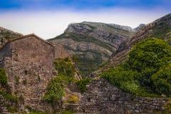 Forteresse antique dans les montagnes Images libres de droits