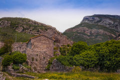 Forteresse antique dans les montagnes Images stock