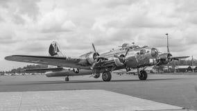 Forteresse B&W de B-17 Flyng Photographie stock libre de droits