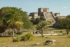 Forteresse de Castillo dans la ville maya antique de Tulum Image libre de droits