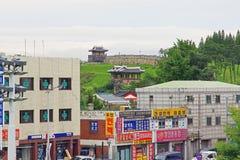 Forteresse de Hwaseong d'†de sites de patrimoine mondial de l'UNESCO de la Corée «et ville de Suwon Photos stock