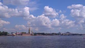 Forteresse de Peter et de Paul à St Petersburg clips vidéos