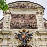 Forteresse de Peter et de Paul, la partie supérieure de la porte de Petrovsky Photo libre de droits
