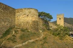 Forteresse Genoese dans Sudak, Crimée La base d'une tour ronde Photo stock