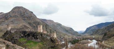 Forteresse Khertvisi de panorama en hiver Photographie stock
