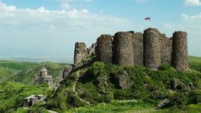 Forteresse médiévale Amberd en Arménie banque de vidéos