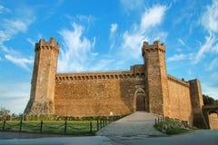 Forteresse médiévale de Montalcino en ` Orcia, Toscane, Italie de Val d Photographie stock libre de droits