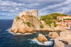 Forteresse médiévale Lovrijenac, vue célèbre scénique, Croatie de vieille ville de Dubrovnik photographie stock libre de droits