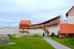 Forteresse médiévale saxonne enrichie Feldioara, Marienburg, la Transylvanie images stock