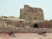 Forteresse puissante portugaise de l'Iran, île de Hormuz Photographie stock
