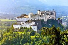 Forteresse Salzbourg dans le château médiéval de l'Autriche images libres de droits
