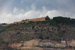 Forteresse sur la montagne de Barcelone Image libre de droits