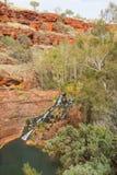Fortesque vattenfallKarijini nationalpark Australien Arkivfoto