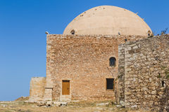 Fortezza清真寺,有它印象深刻的圆顶的, Rethymnon,克利特 免版税图库摄影