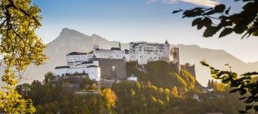 Fortezza al tramonto, Salisburgo, Austria di Hohensalzburg Fotografie Stock