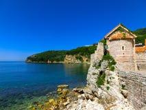 Fortezza antica che sta vicino al mare adriatico Budua montenegro Immagine Stock Libera da Diritti