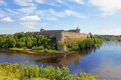 Fortezza di Ivangorod il bordo di Russia.Estonia Immagini Stock Libere da Diritti