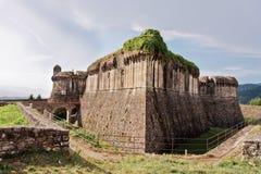 Fortezza medioevale di Sarzanello in Italia fotografia stock