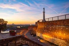 Fortezza, vincitore il monumento ed il fiume Sava di Kalemegdan immagine stock