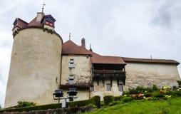 Fortificação do castelo medieval de Gruyeres, Gruyeres, Suíça, Europa fotografia de stock royalty free