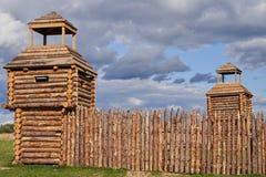 Fortificações de madeira da Idade Média adiantada reconstruction foto de stock