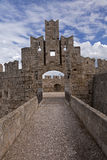 Fortification de Rhodes un port Photos stock