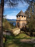 Fortification en bois antique images stock